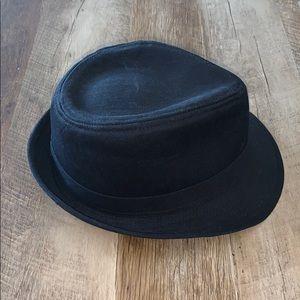 Black fidora hat